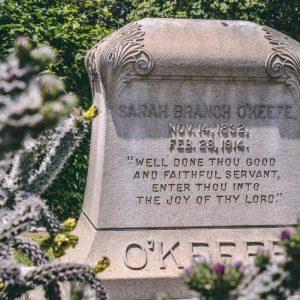 plaque funéraire entretien